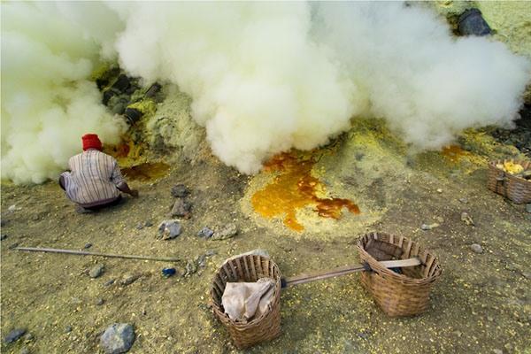 Работа в кратере вулкана