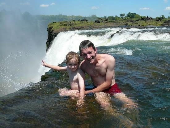 Бассейн водопада Виктория