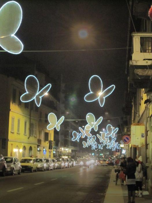 Световые бабочки в Милане