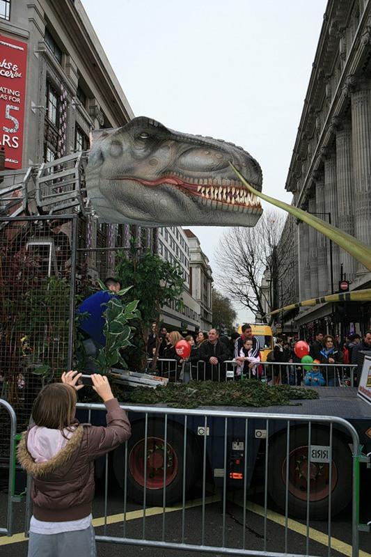 Динозавры захватили Лондон?